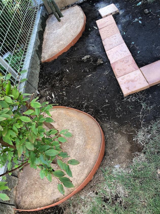 固まる 土
